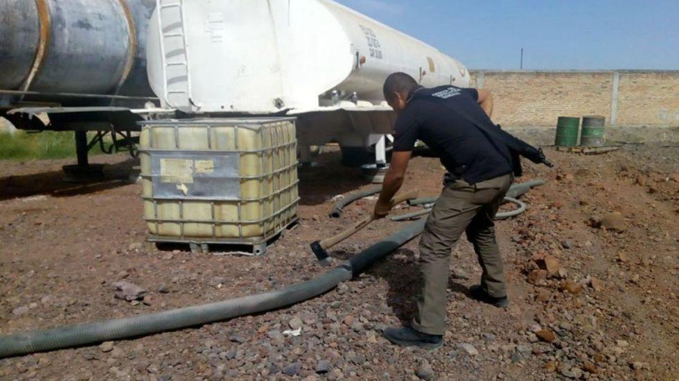 Decomisan 28 mil litros de combustible en Tamaulipas - Foto de Internet