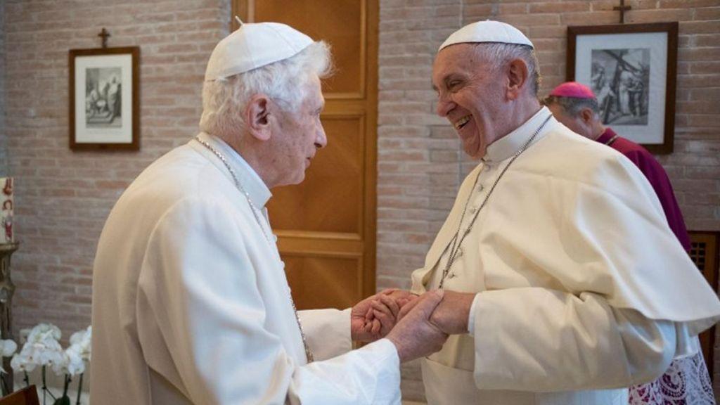 Papa Francisco envía saludos a Benedicto XVI por Pascua - Foto de Internet