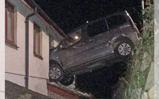 Revocan tres meses permiso de conducir a hombre en Gales por choque - Foto de Daily Post
