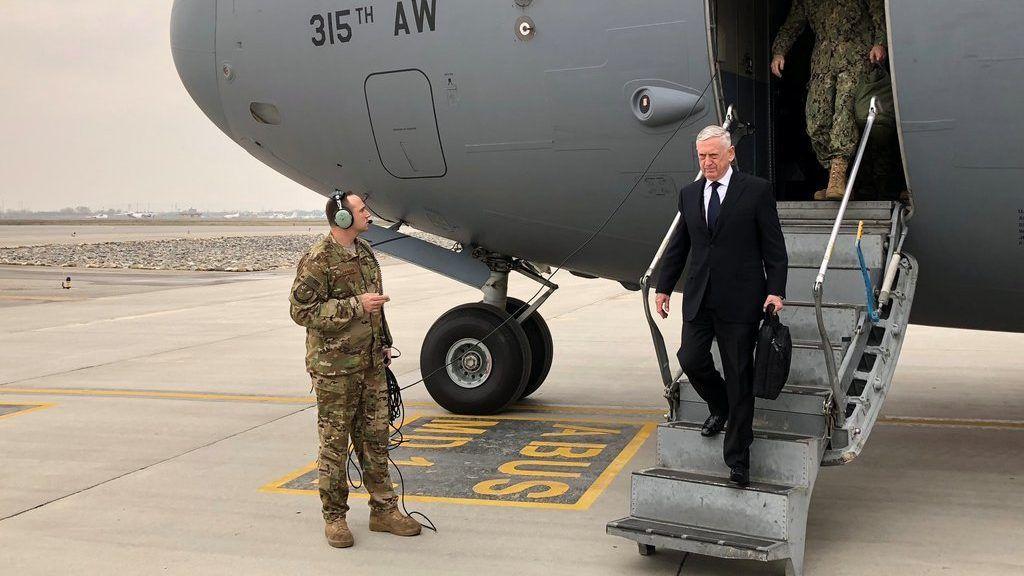 Secretario de Defensa de EE.UU. visita Afganistan por sorpresa - Foto de Twitter