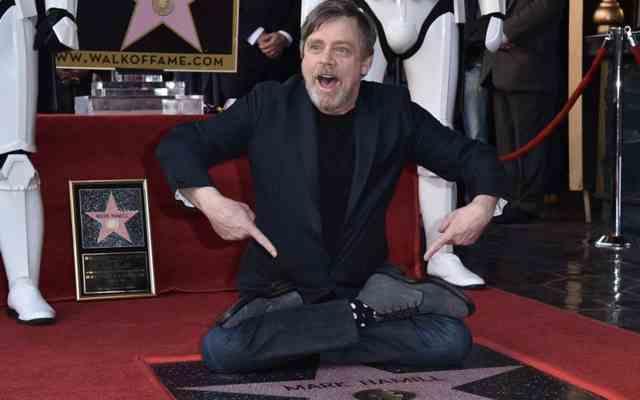 #VIDEO Mark Hamill recibe estrella en el Paseo de la Fama de Hollywood - Foto de Getty