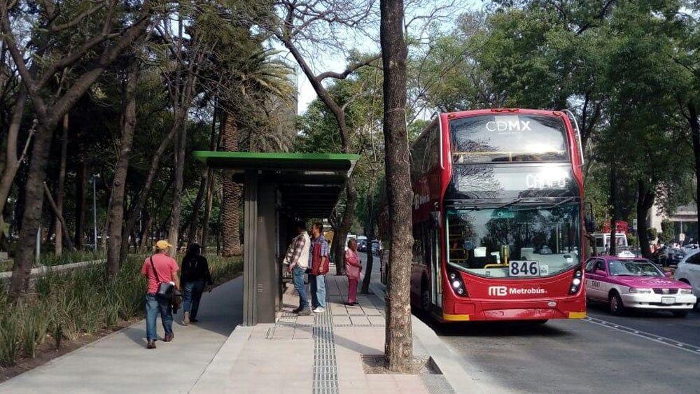 Publicidad en Línea 7 del Metrobús se retirará con resolución judicial: Sheinbaum - Foto de @MetrobusCDMX