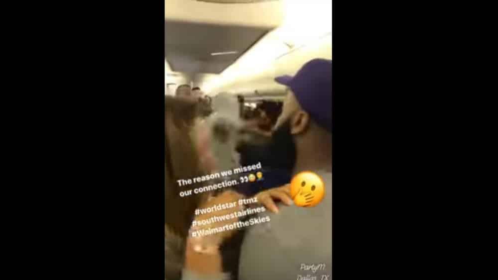 #Video Pasajeros pelean y pierden vuelo de conexión - Foto: Youtube.