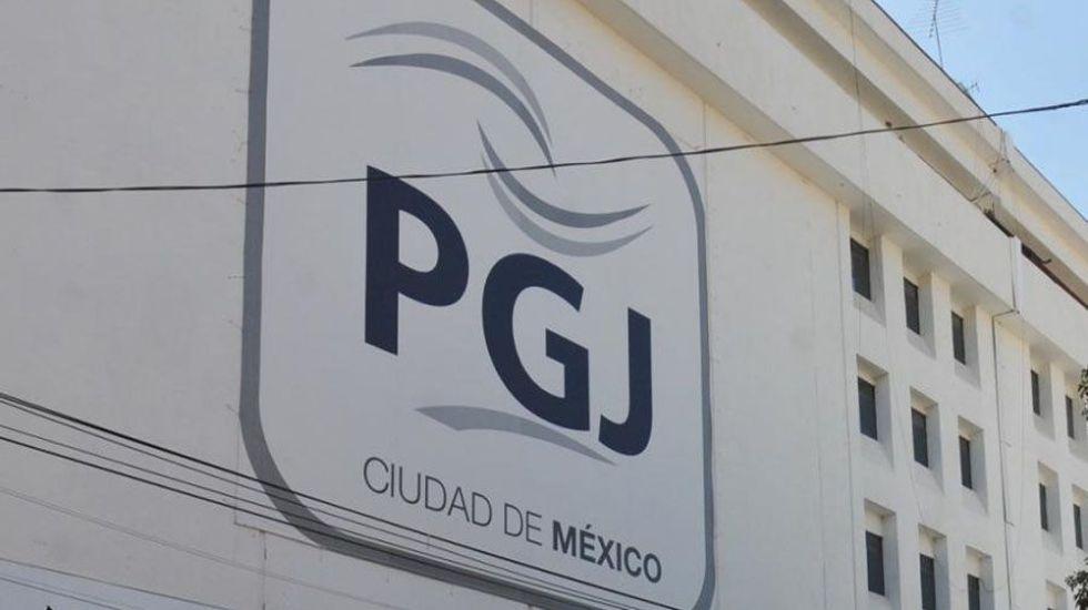 Investigan a policías por sembrar arma a estudiante de la UACM - detienen a tres con mariguana en cuauhtémoc