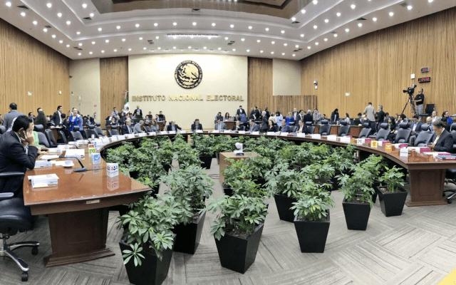 INE aprueba sanciones contra PRI y MC por filtrar padrón - Foto de INE