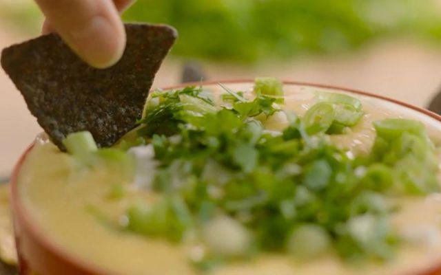 ¡Prepara un delicioso queso cremoso con jalapeños en vinagre! - Foto: New York Times.