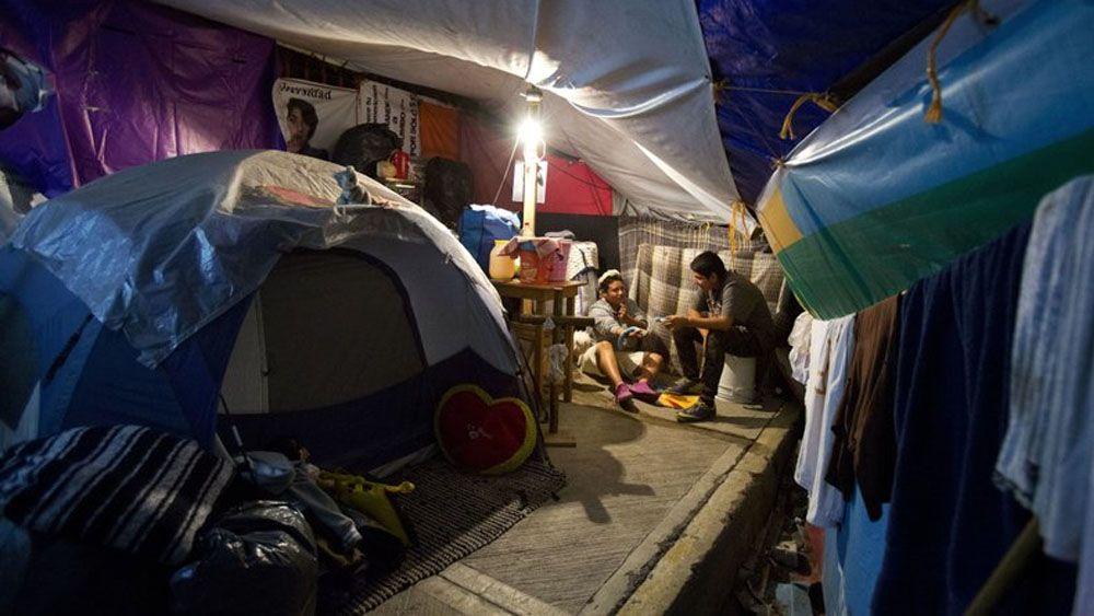 INE multa a Morena por fideicomiso para damnificados de sismos - Foto de AP