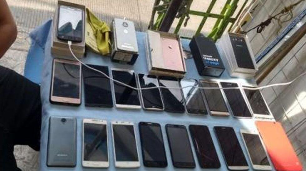 Decomisan 200 celulares en la delegación Cuauhtémoc - Foto Especial
