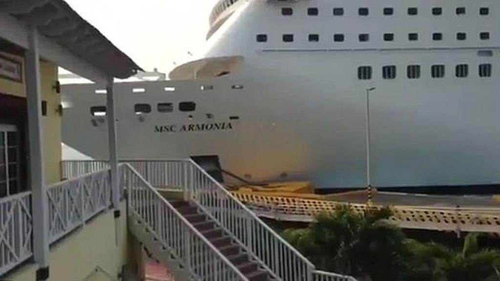 #Video Crucero choca con muelle en el Caribe - Foto de internet