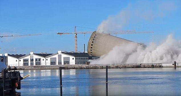 Una demolición en Vordingborg, Dinamarca, se salió de control y aplastó un centro cultural