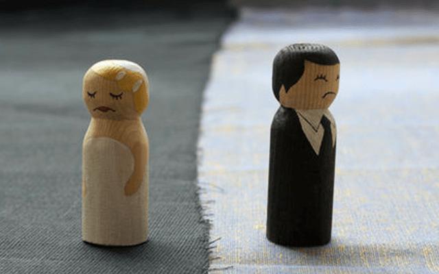 Padre de nueve denuncia a su pareja al enterarse que es estéril