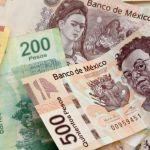 Propuestas de AMLO para Pemex serán negativas para México: Moody's - Billetes mexicanos. Foto de Archivo