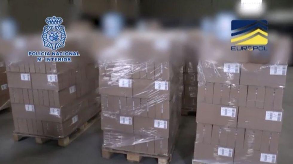 Desmantelan en España una fábrica de envasado de leche falsa para bebés - Foto de Policía Nacional