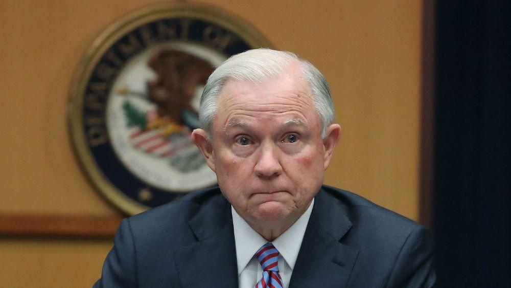Expresa Jeff Sessions condolencias por asesinato de agentes de la PGR - Foto de Getty Images