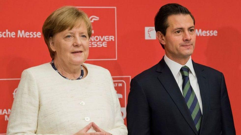 Merkel pide la implementación de pacto comercial entre la UE y México - Foto de AP