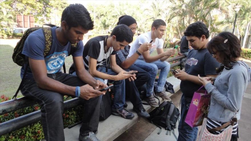 Al menos 70 millones de mexicanos tienen acceso uso continuo de internet - Foto de Hispana TV