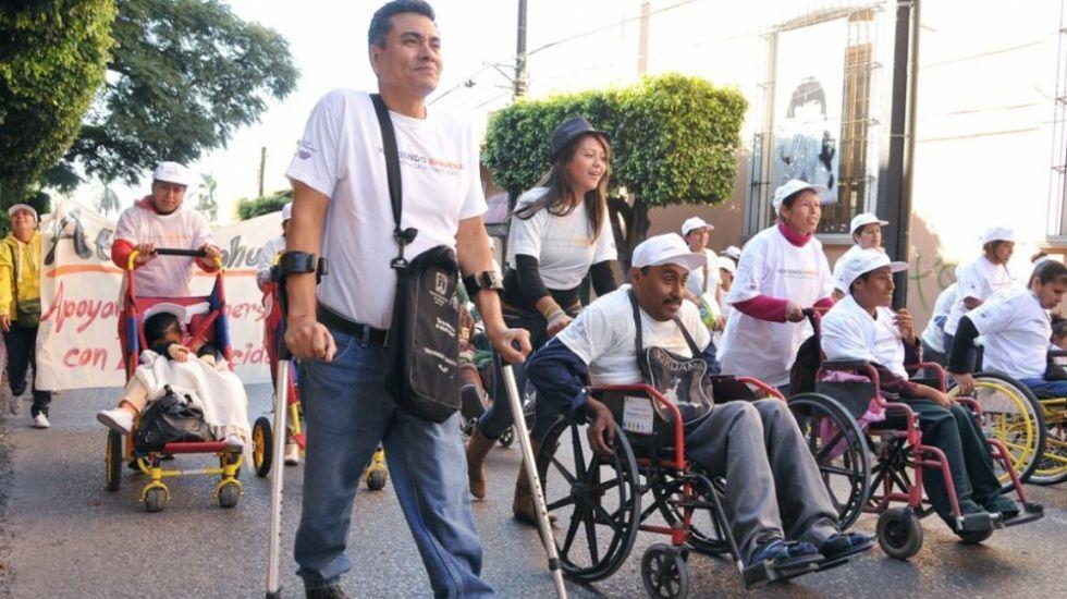 Presentan a candidatos decálogo en favor de persona con discapacidad en México - Foto: Internet.