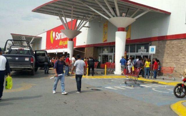 Asesinan a hombre en centro comercial de Hidalgo - Foto de @EdsonVelez75
