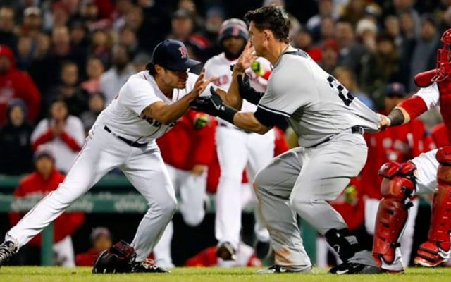 #Video Yankees y Medias Rojas llegan a los golpes