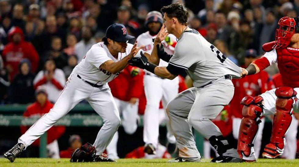#Video Yankees y Medias Rojas llegan a los golpes