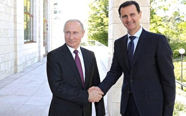 Vladimir Putin sostiene reunión en Rusia con Bashar al Asad - Foto de Kremlin