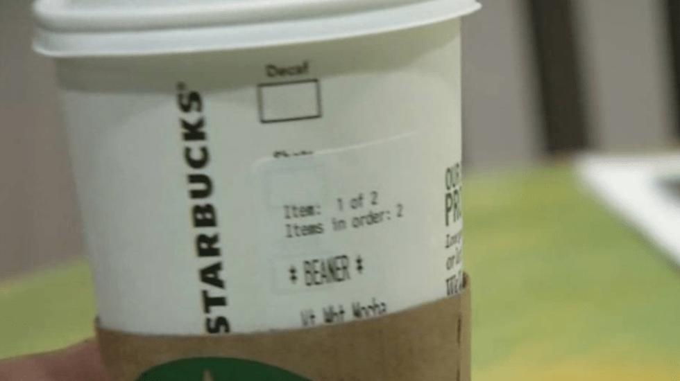 """Empleado de Starbucks en EE.UU. escribe """"frijolero"""" en vaso de cliente"""
