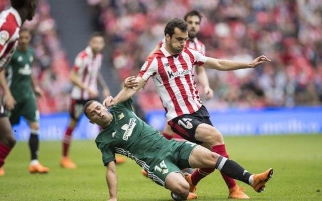 Betis sufre revés en San Mamés sin Andrés Guardado
