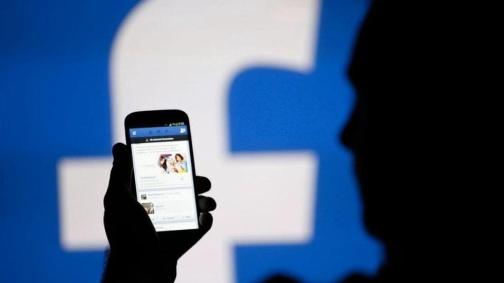 Mexicanos consultan Facebook antes que al médico - Foto de Internet
