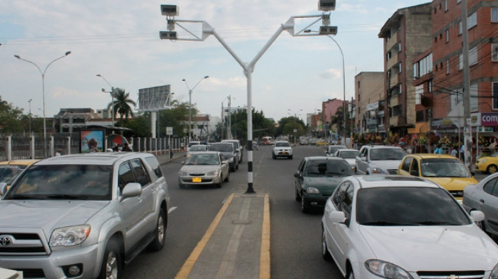Gobierno capitalino sí tiene contrato privado sobre fotomultas - Cámaras de fotomultas. Foto de Internet
