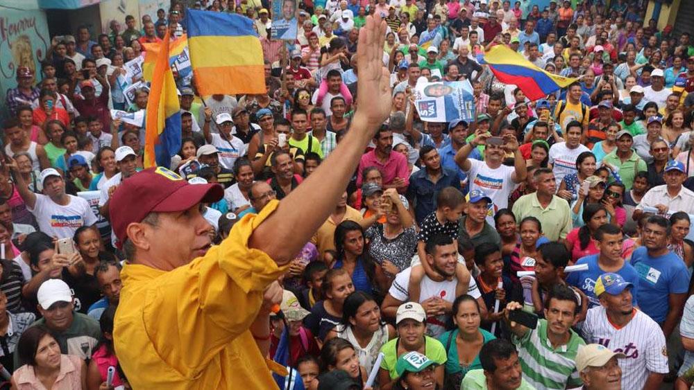 02:50Presidente de Venezuela declara estado fronterizo con Colombia como