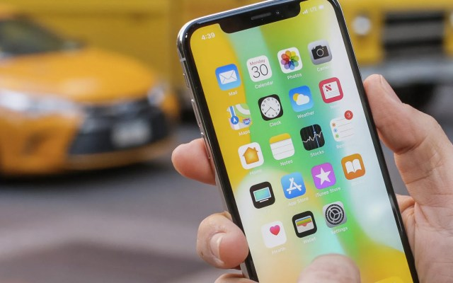 Filtración revela el tamaño del nuevo iPhone X Plus - Foto de CNET