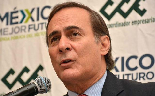 Calificación a Pemex podría traer riesgos a deuda de México: CCE - Consulta del NAIM debe ser técnica, no popular: Castañón