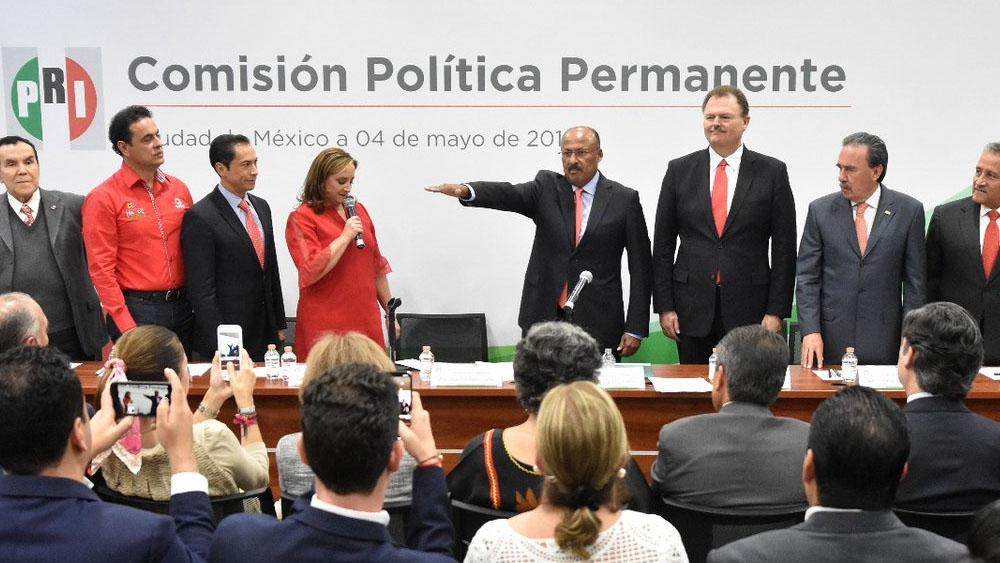 René Juárez rinde protesta como nuevo líder del PRI - Foto de @JuarezCisneros