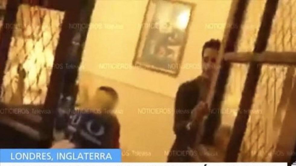#Video Karime Macías deja a su hijo afuera de su casa
