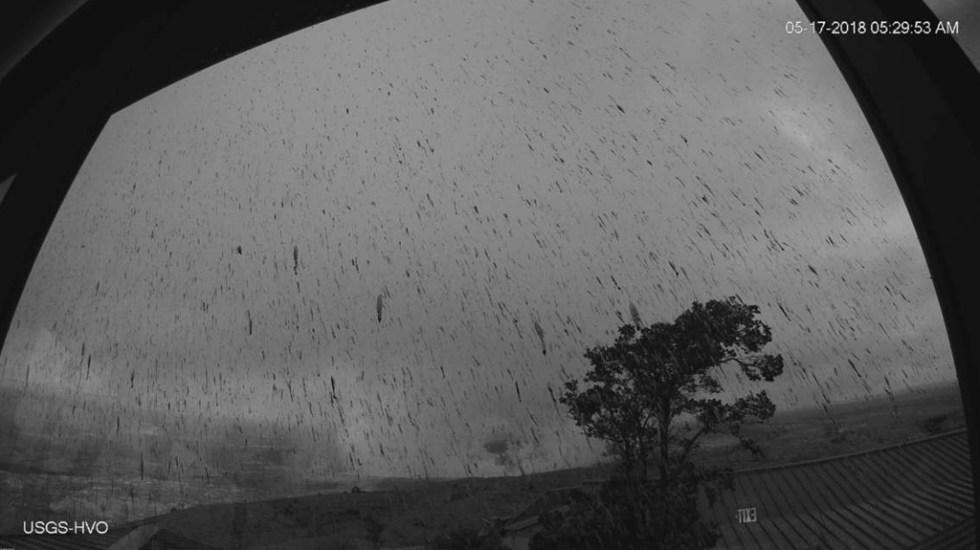 Erupción explosiva del Kilauea lanza columna de ceniza - Foto de USGS