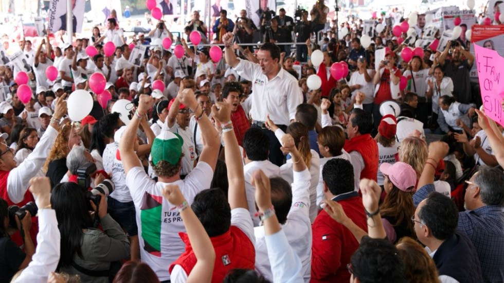 Mikel Arriola reta a Alejandra Barrales a someterse a prueba del polígrafo