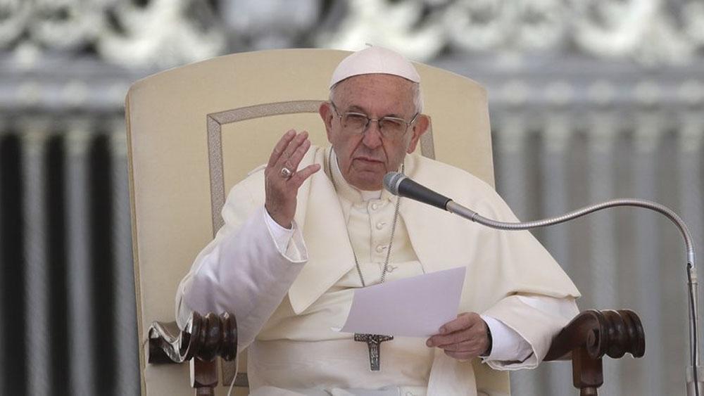 Papa despotrica contra religiosos opulentos de Medio Oriente - Foto de AP