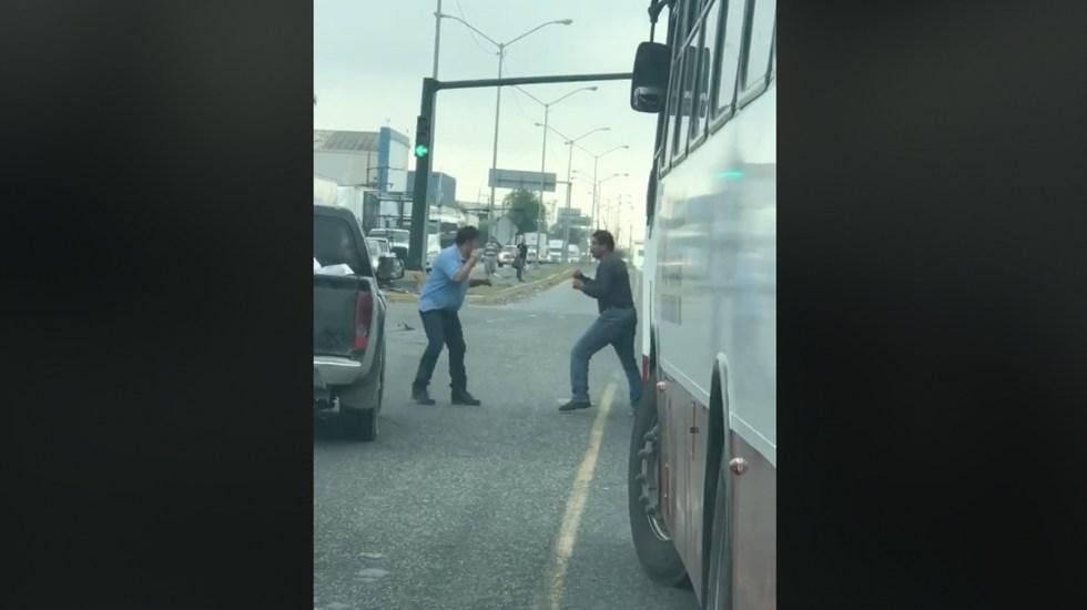 #Video Captan pelea entre conductores en Nuevo León - c