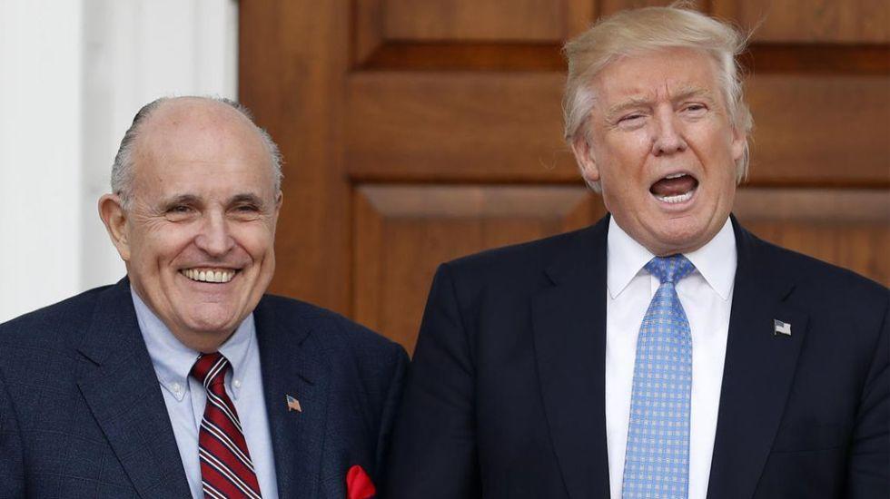 Rudolf Giuliani y Donald Trump. Foto de Boston Herald