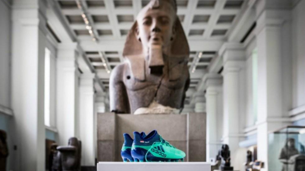 Museo Británico exhibe zapatos de Mohamed Salah - Foto de @britishmuseum