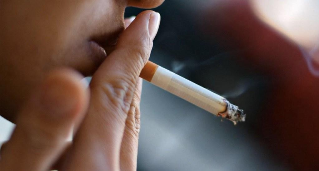 En México, 110 personas mueren a diario por el tabaco - Foto de Archivo