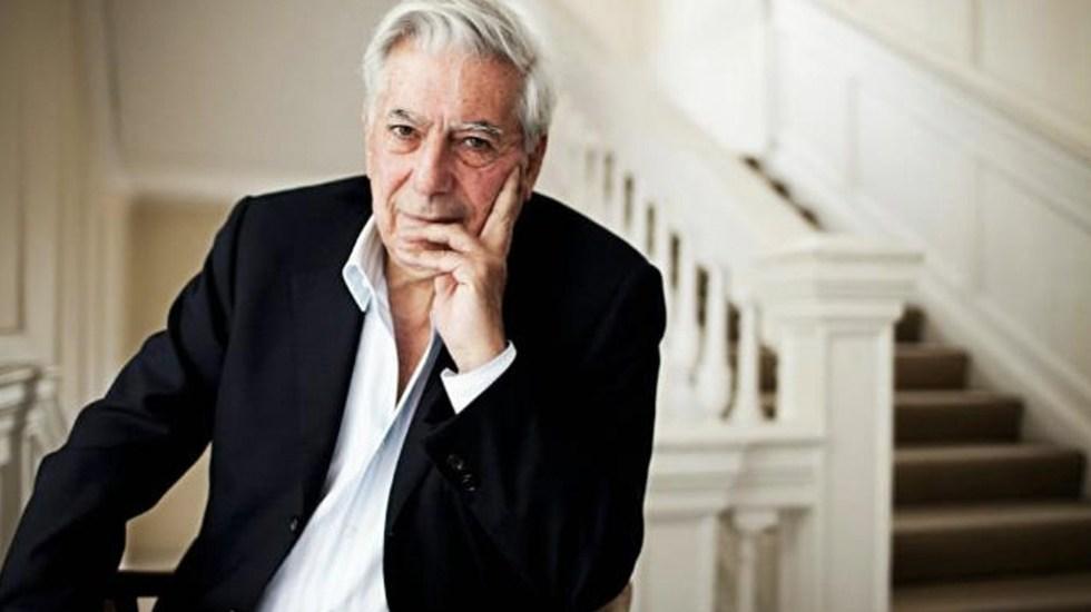 Mario Vargas Llosa sale del hospital tras caída - Foto de El Imparcial