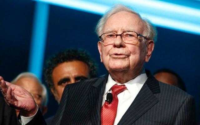 Empresa de Warren Buffett reporta pérdida de 1.1 mil mdd