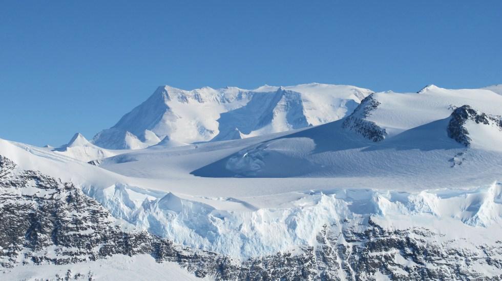 Contaminación por microplásticos y sustancias llegó a la Antártida - Foto de NASA