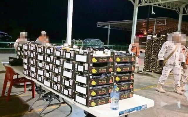 Aseguran 249 kilos de droga entre cargamento de mangos - Foto de la Sedena