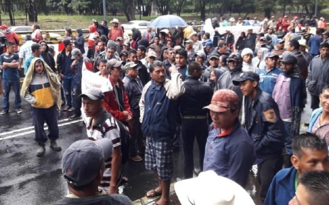Campesinos cierran Paseo de la Reforma - Foto de @mcculloughdevi2