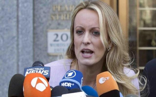 Cancelan reunión de actriz porno con fiscales en caso contra Cohen - Foto de AP