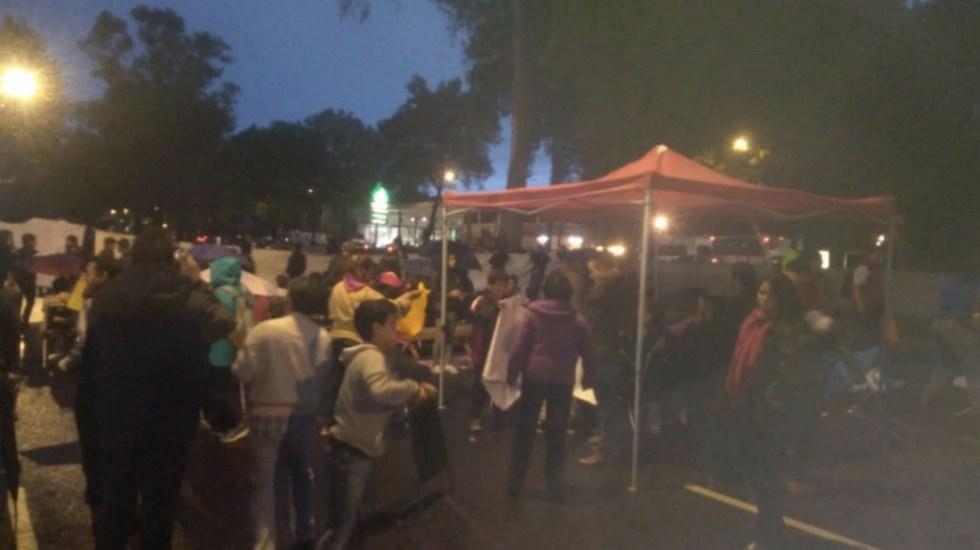 Damnificados del 19S reinstalan campamento en Calzada de Tlalpan - Foto de @Acustiknoticias