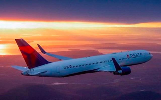 Muere pasajero de Delta Airlines tras emergencia médica - Foto de Delta