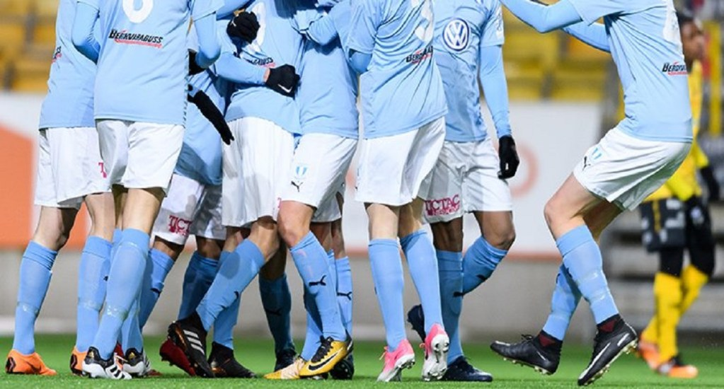 Despiden a futbolista por violar a adolescente de 14 años - Foto de @Malmo_FF